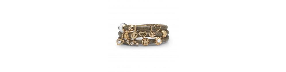 Charms til Christina Jewelry og Watches læderarmbånd og sølvarmbånd.